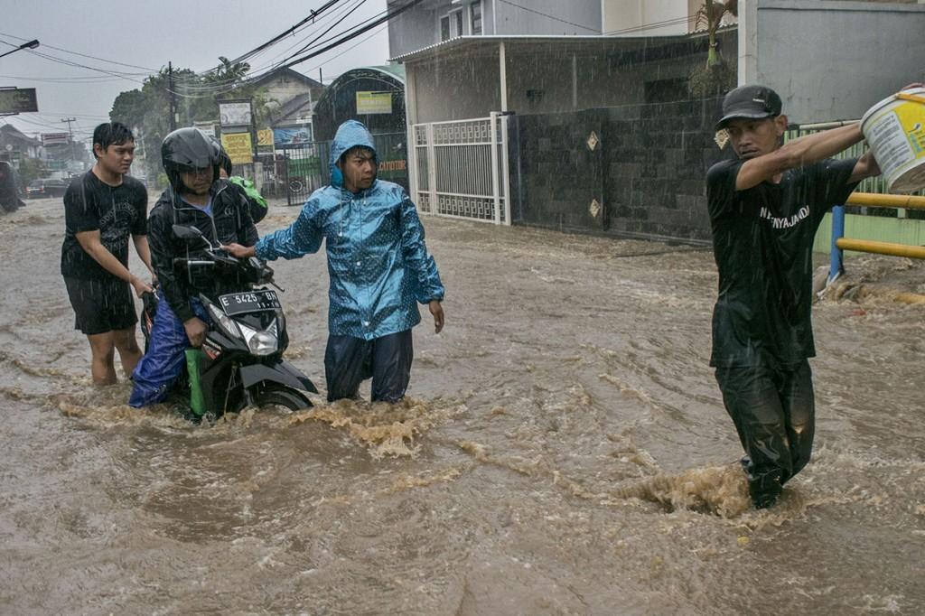 Hujan Deras, Sejumlah Kawasan di Kota Bandung Terendam Banjir