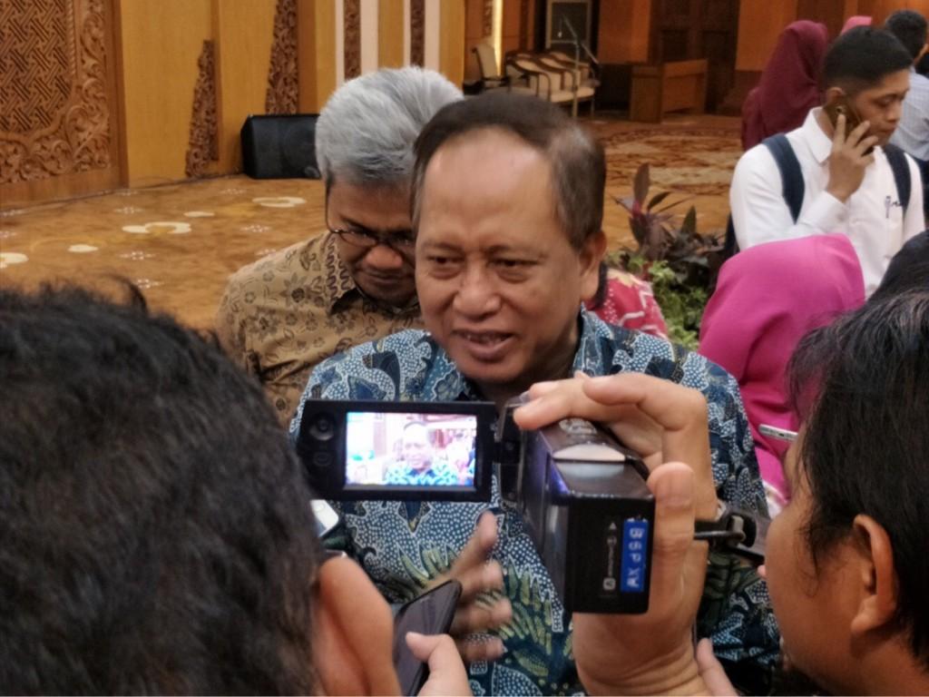 Riset Teknologi dan Pendidikan Tinggi (Menristekdikti), Mohamad Nasir di kantor Gubernur Jatim, Jalan Pahlawan, Surabaya, Kamis, 22 November 2018. Medcom.id/ Amaluddin.