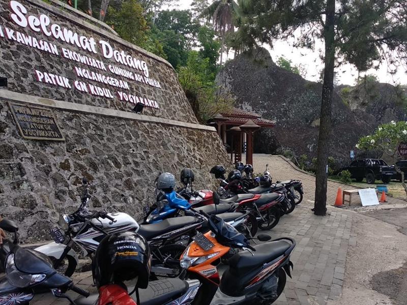 Salah satu sudut pintu masuk obyek wisata Gunung Api Purba Nglanggeran Patuk, Gunungkidul. Medcom.id/Ahmad Mustaqim