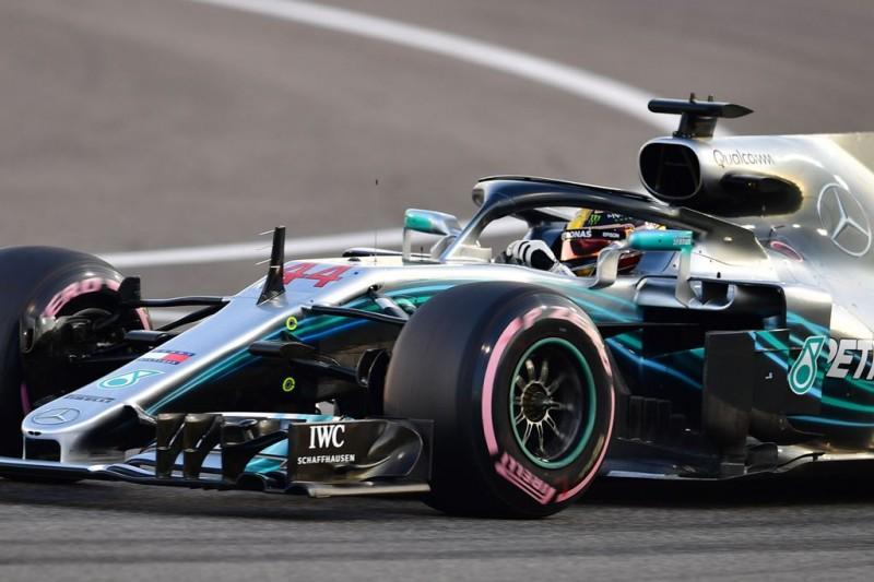 Lewis Hamilton dengan mengendarai jet darat Mercedes. (Andrej ISAKOVIC / AFP)
