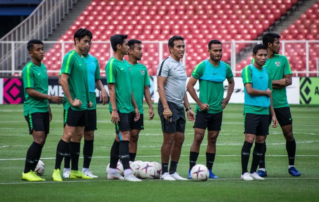 Para pemain timnas Indonesia melakoni sesi latihan jelang menghadapi Filipina (Foto: Antara/Sigid Kurniawan)