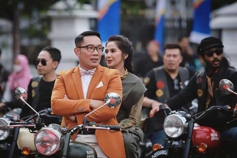Zaenab Dibonceng Ridwan Kamil, Doel Bereaksi