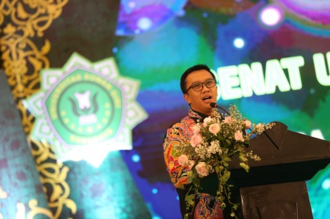 Menpora Doakan Kesuksesan Lulusan Universitas Sunan Giri Surabaya