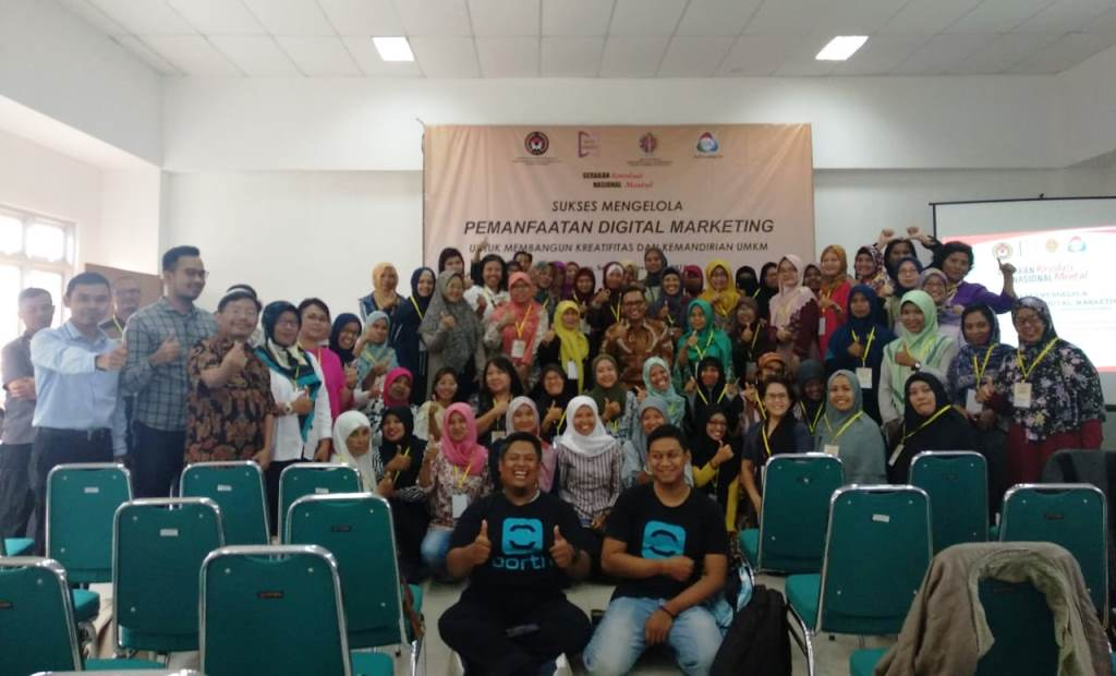 Kemenko PMK bekerja sama dengan Pokmas Daya Annisa menggelar pelatihan marketing digital di kalangan pelaku usaha kecil-menengah perempuan di Yogyakarta, Senin, 26 November 2018 (Foto:Dok.Kemenko PMK)