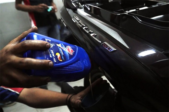 Sejumlah bengkel motor jaringan Federal Oil di Lombok mendapat bantuan khusus. Federal Oil