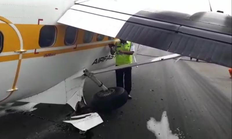 Roda kanan pesawat Airfast PK-OCL rusak dan gagal terbang. Istimewa