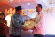 Kota Tegal Terima Penghargaan Pelayanan Publik