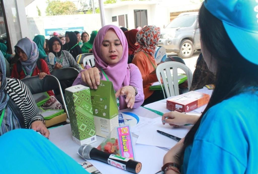 Universitas Kristen Maranatha menyelenggarakan KKN Tematik Citarum Harum, di Bojong Soang, Bandung, Jawa Barat, Sabtu 24 November 2018 (Foto:Dok.UK Maranatha)