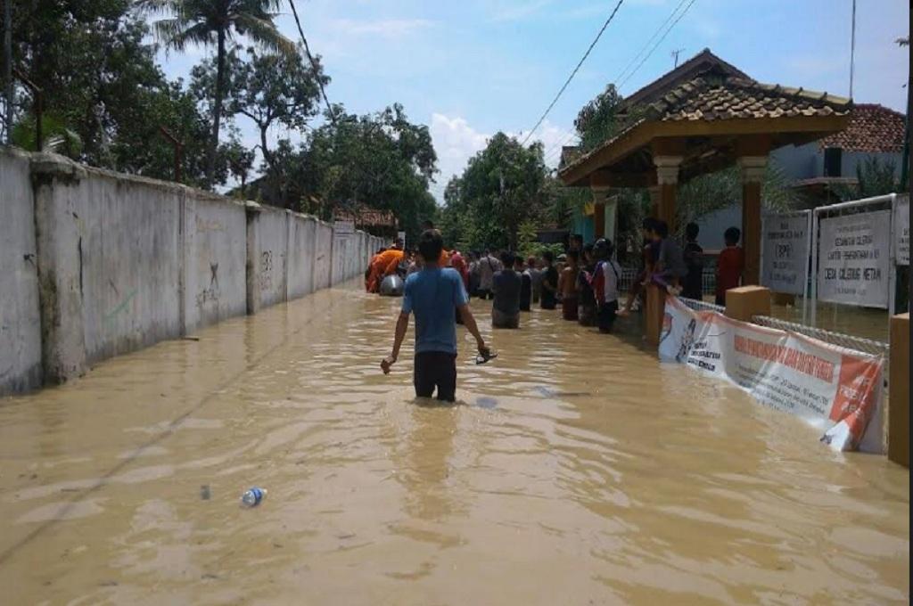Banjir di Ciledug Wetan, Cirebon, pada 2017, Medcom.id - Ahmad Rofahan