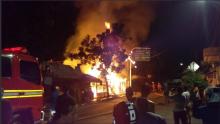 Kebakaran Melanda Sejumlah Bangunan di Kalideres