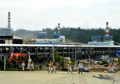 Suasana sebuah pabrik di kawasan industri Morowali, Sulawesi