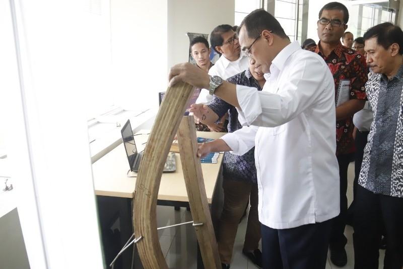 Menteri Perhubungan (Menhub), Budi Karya Sumadi, saat berkunjung ke ITS Surabaya. (Medcom.id/Amal).