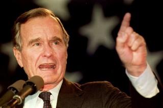 10 Momen Penting George HW Bush