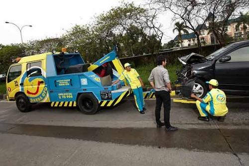 Jangan sembarangan menderek mobil matik yang mati. Garda Oto