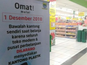 Bandung Kembali Kaji Aturan Kantong Plastik Berbayar