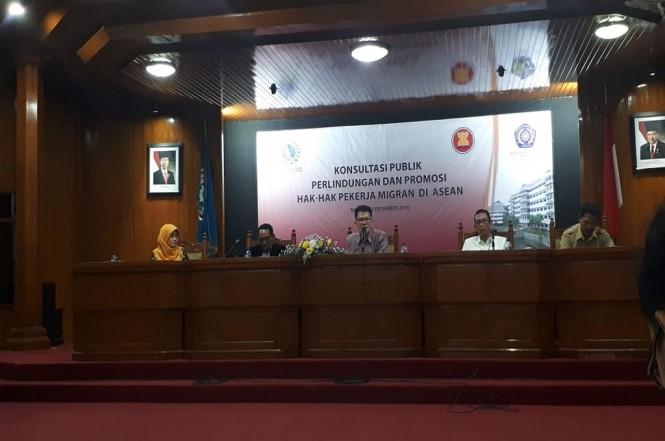 Konsultasi publik membahas soal pekerja imigran Indonesia di Malang, Senin, 3 Desember 2018, Medcom.id - Daviq