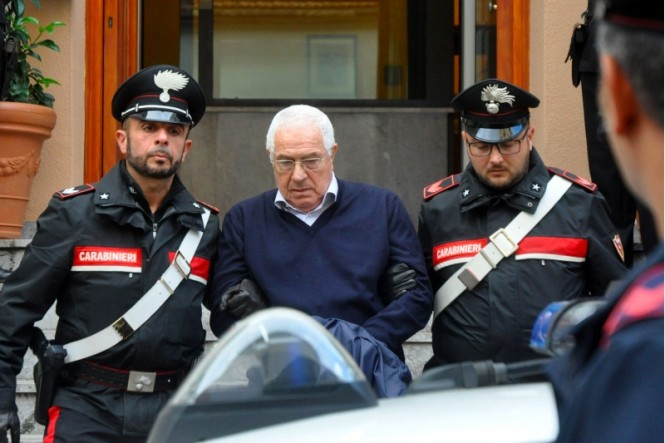 Settimino Mineo, kepala 'keluarga' mafia lokal di ibu kota Sisilia, Palermo yang ditahan polisi Italia. (Foto: AFP).
