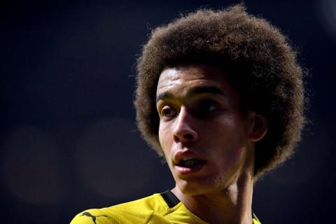 Demi Dortmund, Witsel Tolak United dan PSG