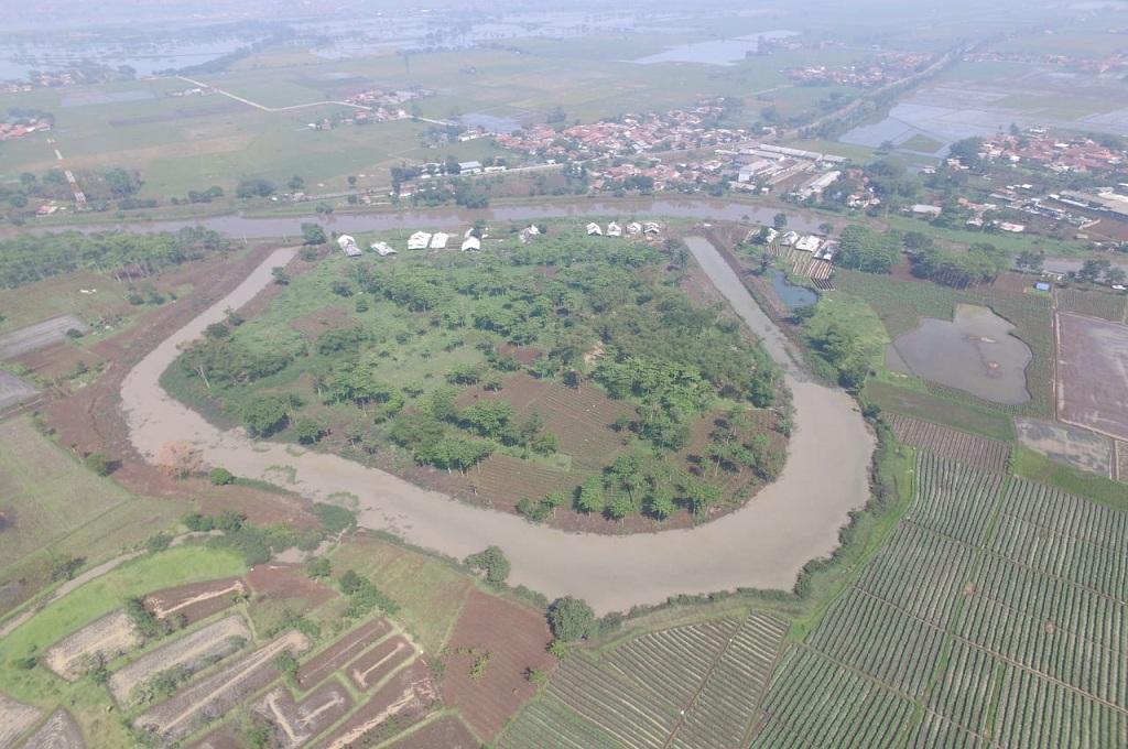 Pantauan dari udara danau tapal kuda atau oxbow di Bojongsoang, Kabupaten Bandung, yang terkoneksi dengan Sungai Citarum, dok istimewa