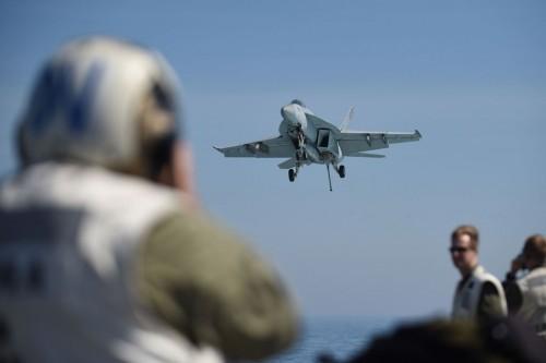 Pesawat tempur Angkatan Laut AS, F-18. (Foto: AFP).