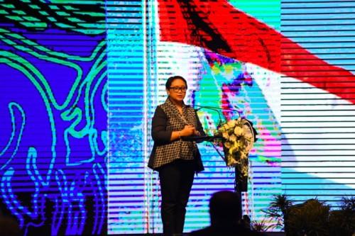 Menlu Retno Marsudi dalam pembukaan Bali Demokrasi Forum ke-11,