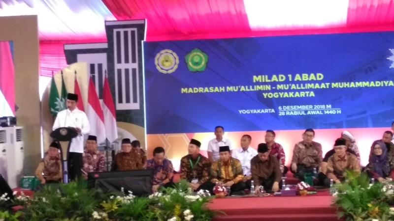 Presiden Jokowi di Resepsi Milad satu abad Madrasah Muallimin Muallimaat di Yogyakarta, Kamis 6 Desember 2018.