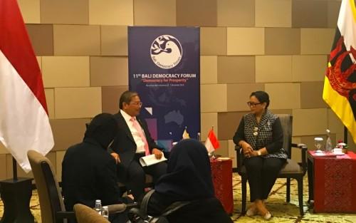 Menlu Retno Marsudi membahas peran AHA Centre dengan Menteri