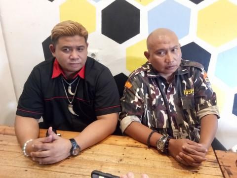 Bambang Suryo (kanan) saat memberikan keterangan pers terkait
