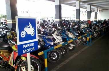 Pilih tempat parkir resmi agar kemanan sepeda motor Anda lebih