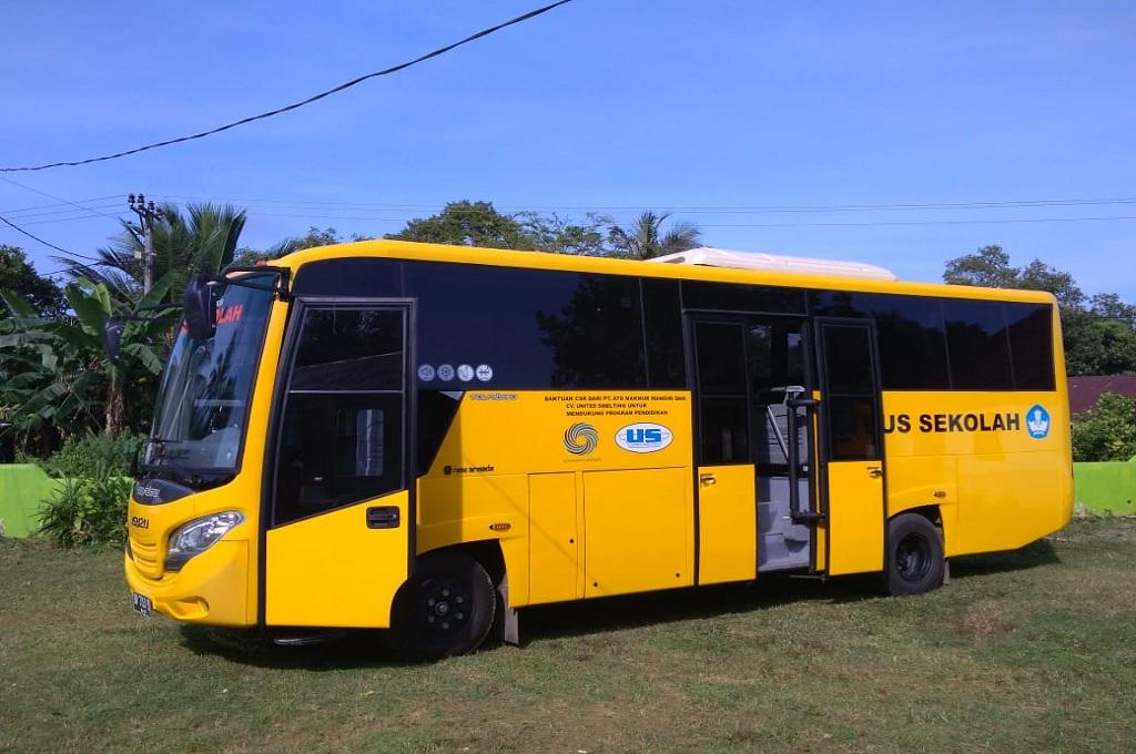 Bus sekolah yang akan beroperasi di Bangka Belitung dan siswa yang menumpang cukup bayar dengan sampah, 7 Desember 2018, MI - Rendy Ferdiansyah