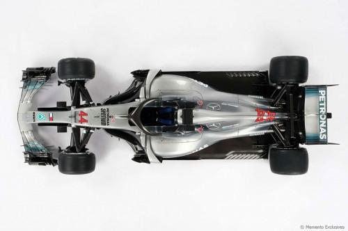 Replika mobil Lewish Hamilton di F1 2018 ini dihargai sekitar
