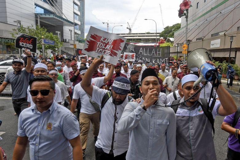 Warga Malaysia protes pemerintah tak meratifikasi konvensi PBB tentang penghapusan diskriminasi rasial. (Foto: Bernama)