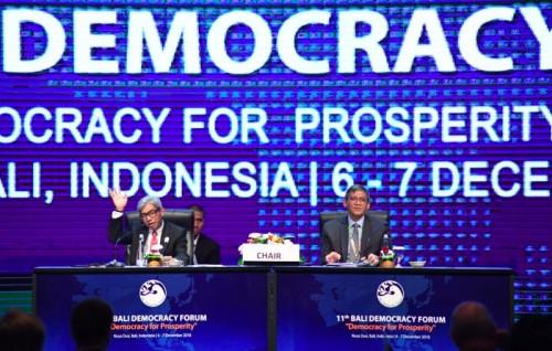 Wakil Menteri Luar Negeri AM Fachir saat menutup Bali Democracy