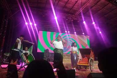 Reza Chandika hadir sebagai penampil dalam Swara Gembira Hip-Hip