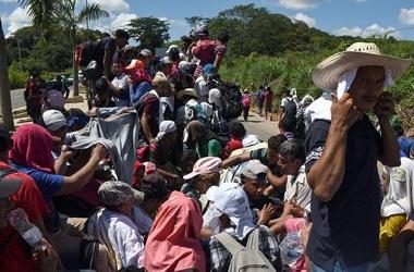 Ribuan imigran asal Amerika Tengah bergerak menuju Meksiko pada