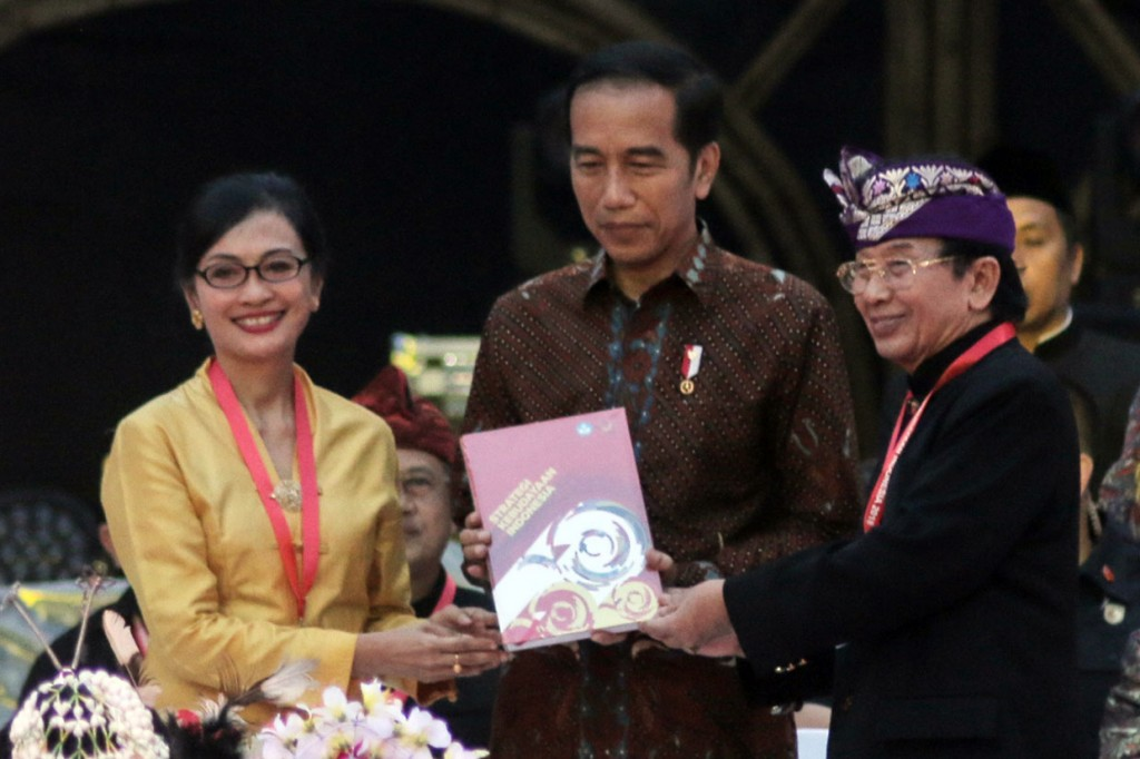 Jokowi Terima Naskah Strategi Kebudayaan