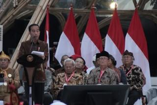 Jokowi Minta Masyarakat Tak Meninggalkan Budaya Indonesia