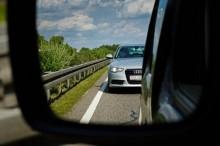 Rajin 'Cek Kaca Spion' Kurangi Risiko Kecelakaan