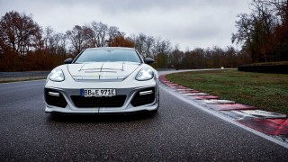 TechArt Dongkrak Performa Porsche Panamera Turbo S E-Hybrid