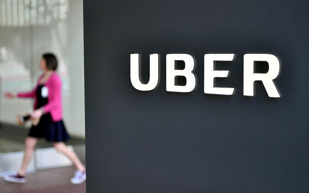 Uber dikabarkan akan melakukan IPO. (AFP PHOTO / JOSH EDELSON)