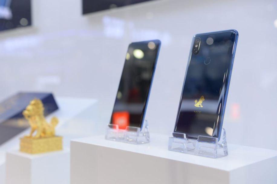 Xiaomi Mi Mix 3.