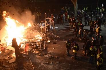Prancis Kesal Trump Kritik Demo Rompi Kuning