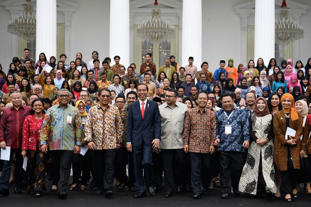Jokowi: Peran Humas tak Bisa Diambil Sepenuhnya oleh Mesin