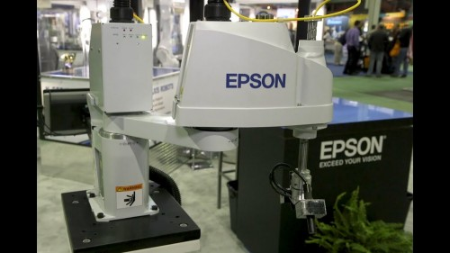 Robot Epson T3. (YouTube)