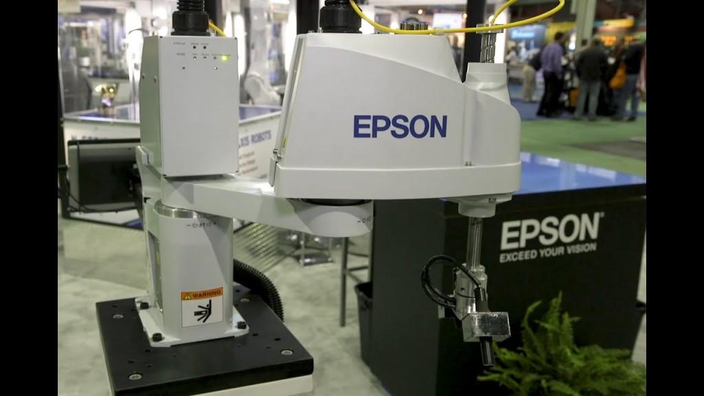 Robot Epson T3. (YouTube)