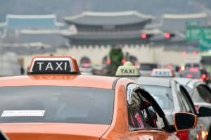 Protes Transportasi Daring, Sopir Taksi Korsel Bakar Diri