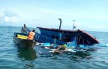 11 ABK KM Makmur Diselamatkan Police Marine Singapore