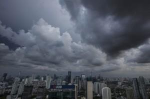 Warga Diminta Waspadai Hujan Petir dan Angin Kencang