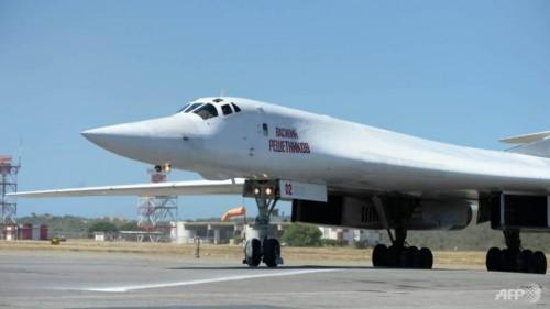 Pesawat pengebom TU-160 milik Rusia di Bandara Internasional