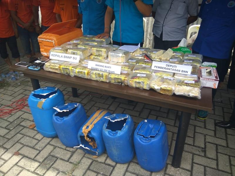 Hasil tangkapan BNN atas narkoba jenis sabu-sabu seberat 53 kilogram di Medan, Sumatera Utara, Jumat, 5 Oktober 2018, lalu